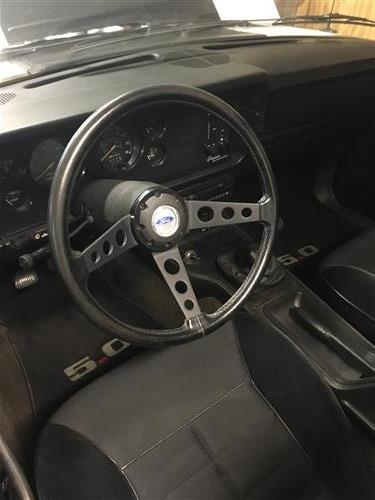 91 Mustang Gt >> Mustang 3-Spoke Steering Wheel Horn Button w/ Black Outer Rim (79-82) D9ZZ-13805-B